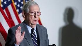 Mitch McConnell, lãnh đạo Cộng của Thượng viện, đã bị chỉ trích ngày càng nhiều kể từ khi công khai chỉ trích cựu TT Donald Trump về cuộc bạo loạn ngày 6 tháng 1 ở Washington © Reuters