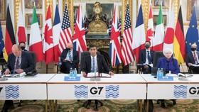 Các bộ trưởng và quan chức tại các cuộc đàm phán G7. © Stefan Rousseau / Pool via AP