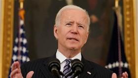 Ông Biden bị kiện vì bắt người Mỹ tiêm vaccine COVID-19