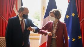 Pháp hủy hội nghị thượng đỉnh quốc phòng với Anh giữa căng thẳng về AUKUS