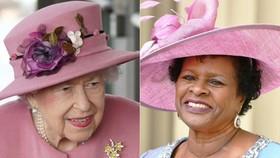 Sandra Mason (phải), tổng thống đương nhiệm, sẽ tuyên thệ nhậm chức tổng thống vào ngày 30 tháng 11, kỷ niệm 55 năm độc lập của đất nước khỏi Vương quốc Anh [Jacob King và John Stillwell / AFP]