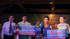 2 nhà VĐTG được trao thưởng. Ảnh: Nhật Anh