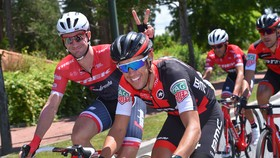 Richie Porte (phải) vẫn được đánh giá cao ở kỳ Tour de France sắp sửa diễn ra