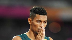 Wayde van Niekerk đã bảo vệ thành công danh hiệu VĐTG ở cự ly 400 mét