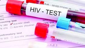 Tính mạng gần 2 triệu bệnh nhân HIV/AIDS bị đe dọa
