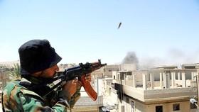 Binh sĩ Syria chiến đấu tại TP Al-Sukhnah, Syria