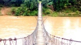 Kon Tum: Thiếu kinh phí sửa chữa 114 cầu treo