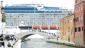 Italia cấm tàu du lịch lớn qua trung tâm Venice