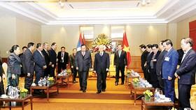 Tổng Bí thư Nguyễn Phú Trọng tiễn Tổng Bí thư, Chủ tịch nước Lào Bounnhang Vorachith rời thủ đô Hà Nội đi thăm tỉnh Nghệ An