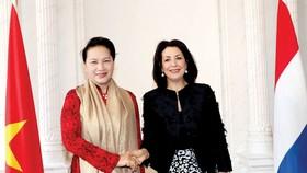 Chủ tịch Hạ viện Hà Lan Khadija Arib đón Chủ tịch Quốc hội Nguyễn Thị Kim Ngân