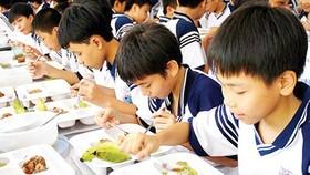 Doanh nghiệp bức xúc vì thực phẩm sạch không vào được trường học