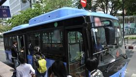 Sắp có tuyến xe buýt sử dụng nhiên liệu sạch hoạt động trong Khu  đô thị Đại học Quốc gia.  ẢNH:  CAO THĂNG