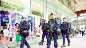 Lực lượng cảnh sát Singapore tăng cường tuần tra tại khu vực trung tâm