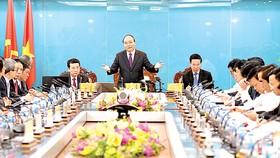 Thủ tướng Nguyễn Xuân Phúc chỉ đạo tại buổi làm việc với Bộ TT-TT