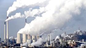 Khí thải công nghiệp là một trong những nguyên nhân dẫn đến tình trạng Trái đất ấm dần lên