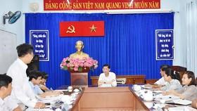 Phó Chủ tịch UBND TPHCM Trần Vĩnh Tuyến chủ trì buổi tiếp công dân. Ảnh: hcmcpv