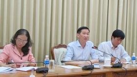Đồng chí Trần Vĩnh Tuyến, Phó Chủ tịch UBND TPHCM chỉ đạo tại buổi làm việc. Ảnh: ĐÌNH LÝ