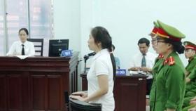 Bị cáo Nguyễn Ngọc Như Quỳnh nghe Hội đồng xét xử tuyên án. Ảnh: TTXVN