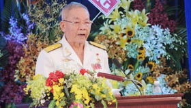 Anh hùng LLVTND Nguyễn Văn Đức, nguyên thuyền trưởng tàu Không số phát biểu tại buổi lễ