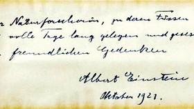 Thư của Einstein được mua với giá 100.000USD
