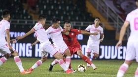Trận CLB TPHCM thắng CLB Sài Gòn 5 - 0 tại vòng 23 Nuti Cafe V.League 2018 trên sân Thống Nhất