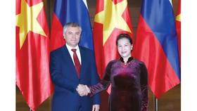 Chủ tịch Quốc hội Nguyễn Thị Kim Ngân chủ trì lễ đón và hội đàm với Chủ tịch Duma Quốc gia Nga Vyacheslav Viktorovich Volodin. Ảnh: TTXVN