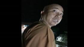 Đại đức Thích Thanh Toàn. Ảnh cắt từ clip báo Phụ nữ TP HCM.