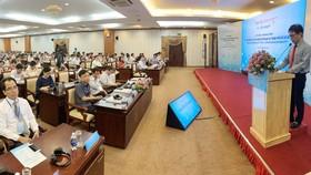 Ông Nguyễn Việt Dũng, Giám đốc Sở KH-CN TPHCM khai mạc Chương trình tập huấn về AI. Ảnh T.Ba