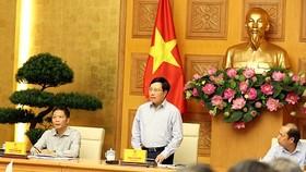 Phó Thủ tướng Phạm Bình Minh phát biểu tại Phiên họp. Ảnh: VGP