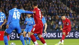 A.Oxlade-Chamberlain tung cú sút mở tỷ số cho Liverpool ngay ở phút thứ 2. Ảnh: Getty Images