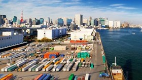 Nhật Bản thông qua gói kích thích kinh tế gần 240 tỷ USD