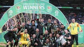Manchester City lần thứ ba liên tiếp lên ngôi vô địch Carabao Cup. Ảnh: AP