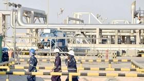 Giá dầu lao dốc, chứng khoán thế giới đỏ sàn