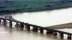 Phát hiện quả bom gần cầu Long Biên