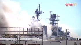 Tàu Bonhomme Richard bị cháy
