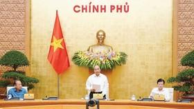 Thủ tướng Nguyễn Xuân Phúc phát biểu tại phiên họp chuyên đề xây dựng pháp luật. Ảnh: VIẾT CHUNG