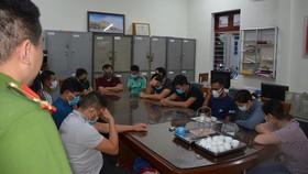 Các đối tượng tại cơ quan cảnh sát điều tra. Ảnh: Công an tỉnh Quảng Ninh