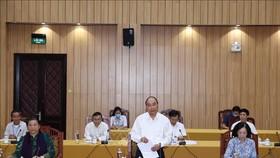 Đồng chí Nguyễn Xuân Phúc, Ủy viên Bộ Chính trị, Thủ tướng Chính phủ phát biểu tại cuộc làm việc của Bộ Chính trị với Ban Thường vụ Tỉnh uỷ Lâm Đồng, sáng 17-8-2020. Ảnh: Thống Nhất/TTXVN