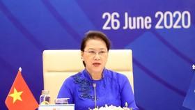 Chủ tịch Quốc hội Nguyễn Thị Kim Ngân, Chủ tịch AIPA lần thứ 41 phát biểu tại cuộc Đối thoại giữa các Nhà lãnh đạo ASEAN và AIPA dưới hình thức trực tuyến, trong khuôn khổ Hội nghị Cấp cao ASEAN 36, tại Hà Nội. Ảnh: TTXVN