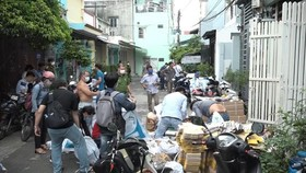 Kiểm tra một điểm làm giả phụ tùng xe máy
