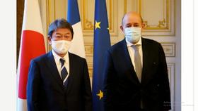 Ngoại trưởng Nhật Bản Motegi Toshimitsu và người đồng cấp Pháp Jean-Yves Le Drian. Ảnh: Kyodo