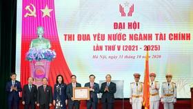 Thủ tướng Nguyễn Xuân Phúc tại Đại hội Thi đua yêu nước ngành tài chính lần thứ V (giai đoạn 2021-2025). Ảnh: VGP