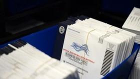 Bầu cử Tổng thống Mỹ: Hàng ngàn phiếu bầu bị thất lạc