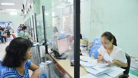 Người lao động làm thủ tục thất nghiệp tại Trung tâm Dịch vụ việc làm TPHCM