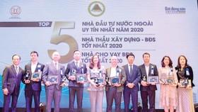 Hòa Bình đón nhận 2 danh hiệu uy tín