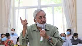 Cử tri huyện Nhà Bè đề nghị ĐBQH cần quyết liệt phòng chống tham nhũng. Ảnh: MAI HOA