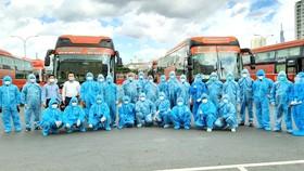 Đội ngũ tài xế nhà xe Phương Trang tham gia công tác vận chuyển phòng chống dịch tại TPHCM