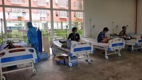 Chăm sóc bệnh nhân Covid-19 tại Bệnh viện dã chiến số 3 tỉnh Bình Dương