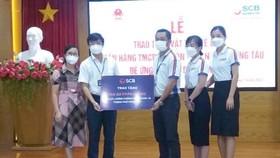 SCB Vũng Tàu tặng 700 áo phản quang cho công tác phòng chống dịch của tỉnh