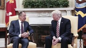 Ngoại trưởng Nga Sergei Lavrov gặp gỡ Tổng thống Mỹ Donald Trump vào ngày 10-5. (Nguồn: Vietnamplus)